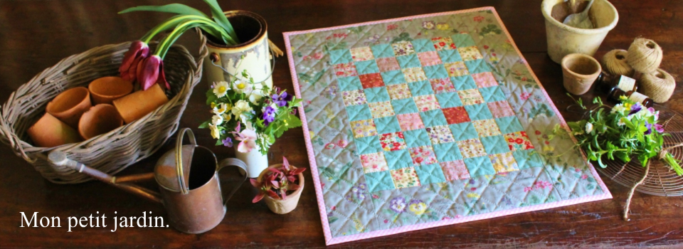 QUILTS IN THE HOME  Bear's paw