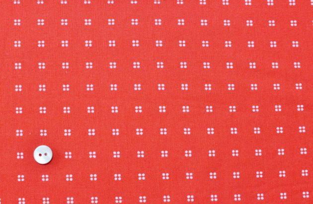 赤と白のプリント布