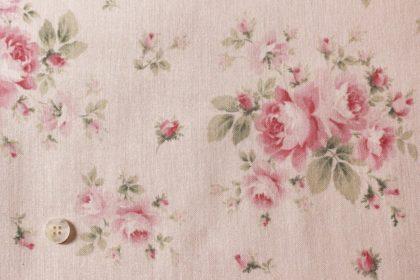 ピンクのバラの布