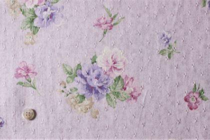 淡いパープルの布