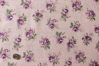 パープルの花の布